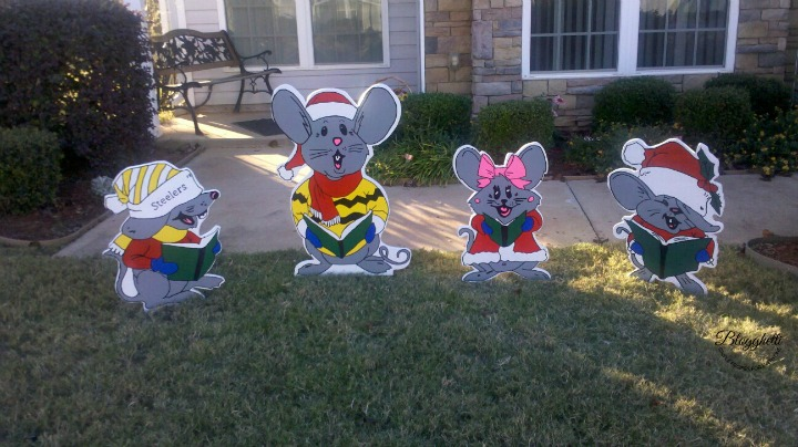 Christmas Mice - wooden yard art