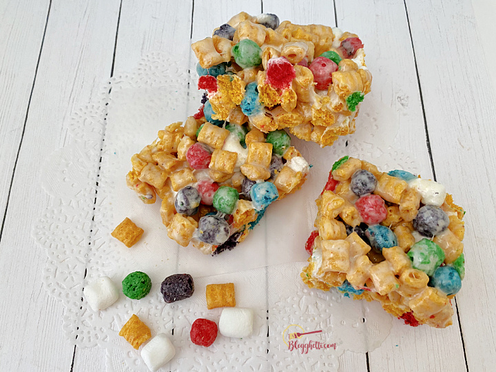 close up of captain crunch cereal bar treats