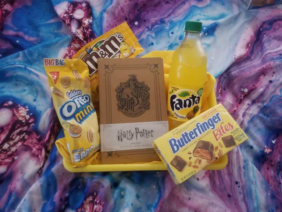 DIY Hufflepuff Gift Basket Ideas | Harry Potter Gifts