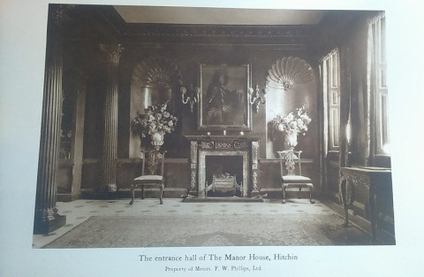 Photograph of the entrance to Manor House
