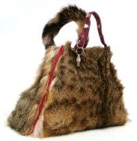 Handtasche aus Katzenfell