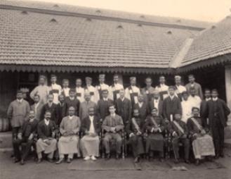 Leonards-in-Ceylon-300x231