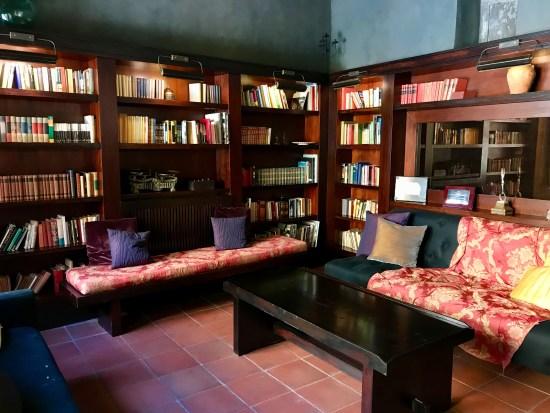 Biblioteca del Hotel Restaurant Mas La Boella