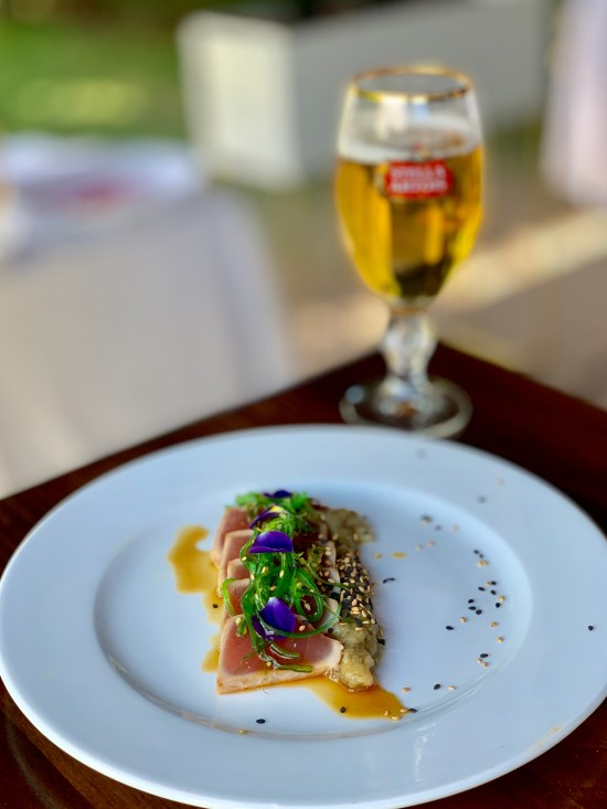 Atún, salsa ponzu wakame y caviar de berenjena ahumada