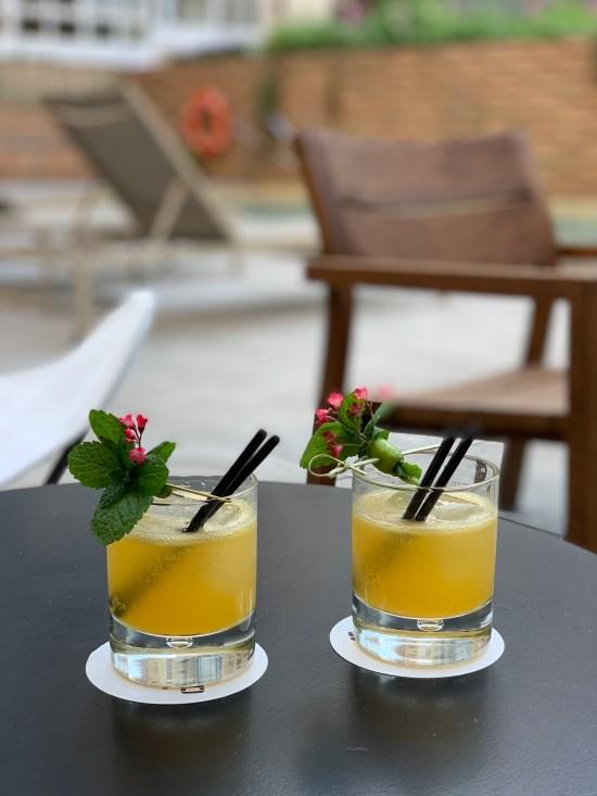Cóctel en el Patio del Restaurante Solomillo