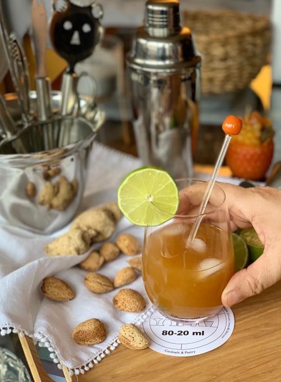 cóctel, coctelera, lima, frutos secos, almendras,