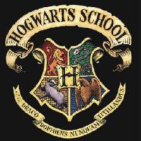 Himno y Escudo de Hogwarts