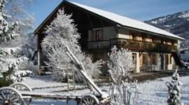 Emma Watson Adquiere un Lujoso Chalet para Esquiar en Francia
