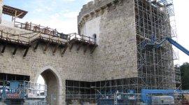 Rumor: Castillo Construido en Surrey será Utilizado para Rodar 'La Batalla de Hogwarts'