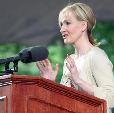 Director Universitario Plagia Fragmentos del Discurso de JK Rowling en Harvard