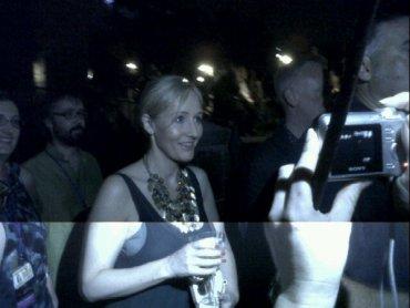 J.K. Rowling asiste a la inauguración del Parque Temático