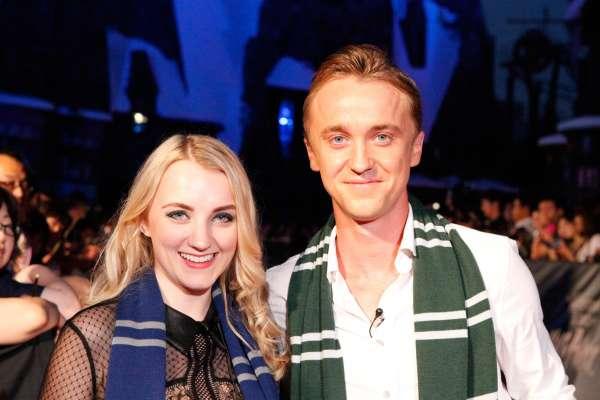 Harry Potter BlogHogwarts Inauguracion Parque Japon Tom Felton Evanna Lynch (1)