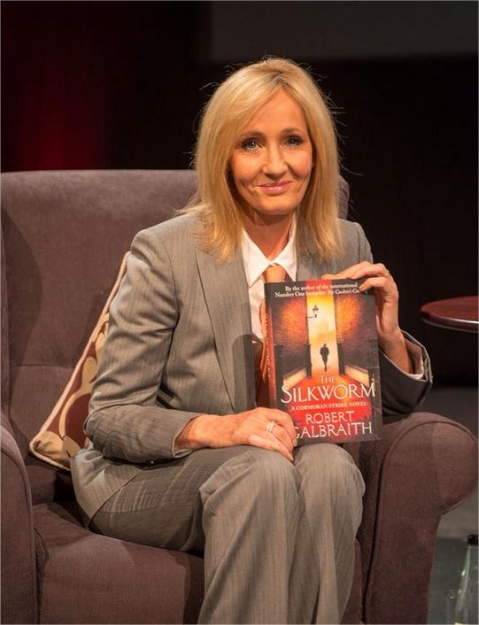 Harry Potter BlogHogwarts JK Rowling Cormoran Strike Gusano de Seda