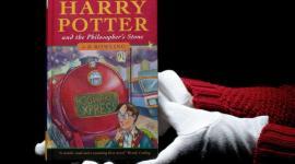 Nuevo récord: libro de 'Harry Potter y la Piedra Filosofal' alcanza los 118.000 Euros!