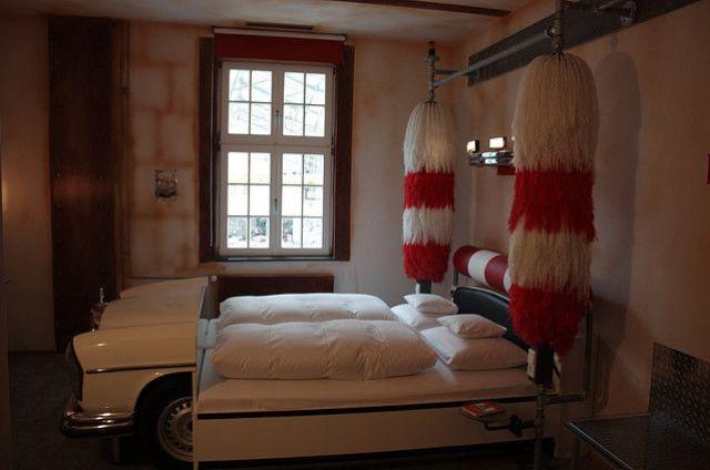 Um hotel para os apaixonados por carro