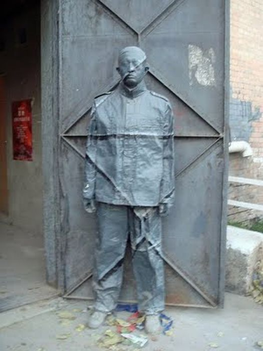 As incríveis camuflagens de Liu Bolin