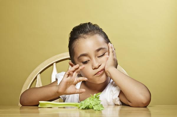 Como fazer crianças comerem mais vegetais?