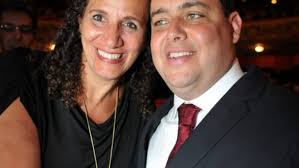 Jandira Feghali é filiada ao Partido Comunista do Brasil (PCdoB/RJ) e Jandira Feghali é filiada ao Partido Comunista do Brasil (PCdoB/RJ) e Felipe Santa Cruz