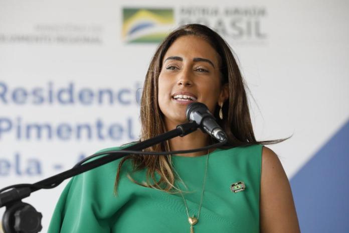 Ministra Chefe da Secretaria de Governo da Presidência da República, Flávia Arruda