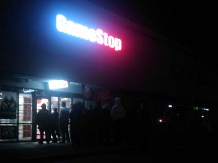 Star Trek Dorks Line the Streets in Front of Gamestop