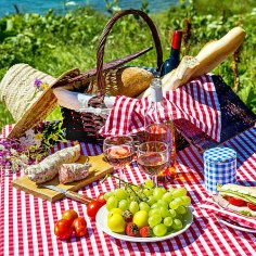 Picnic-Food-Foodals-Guide-to-the-Best-Baskets