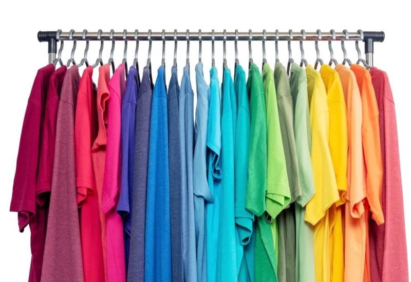 カラフルTシャツ