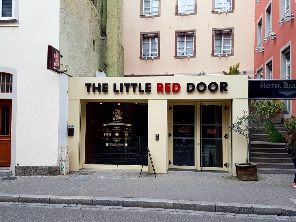 THE LITTLE RED DOOR salle escape room Strasbourg Alsace