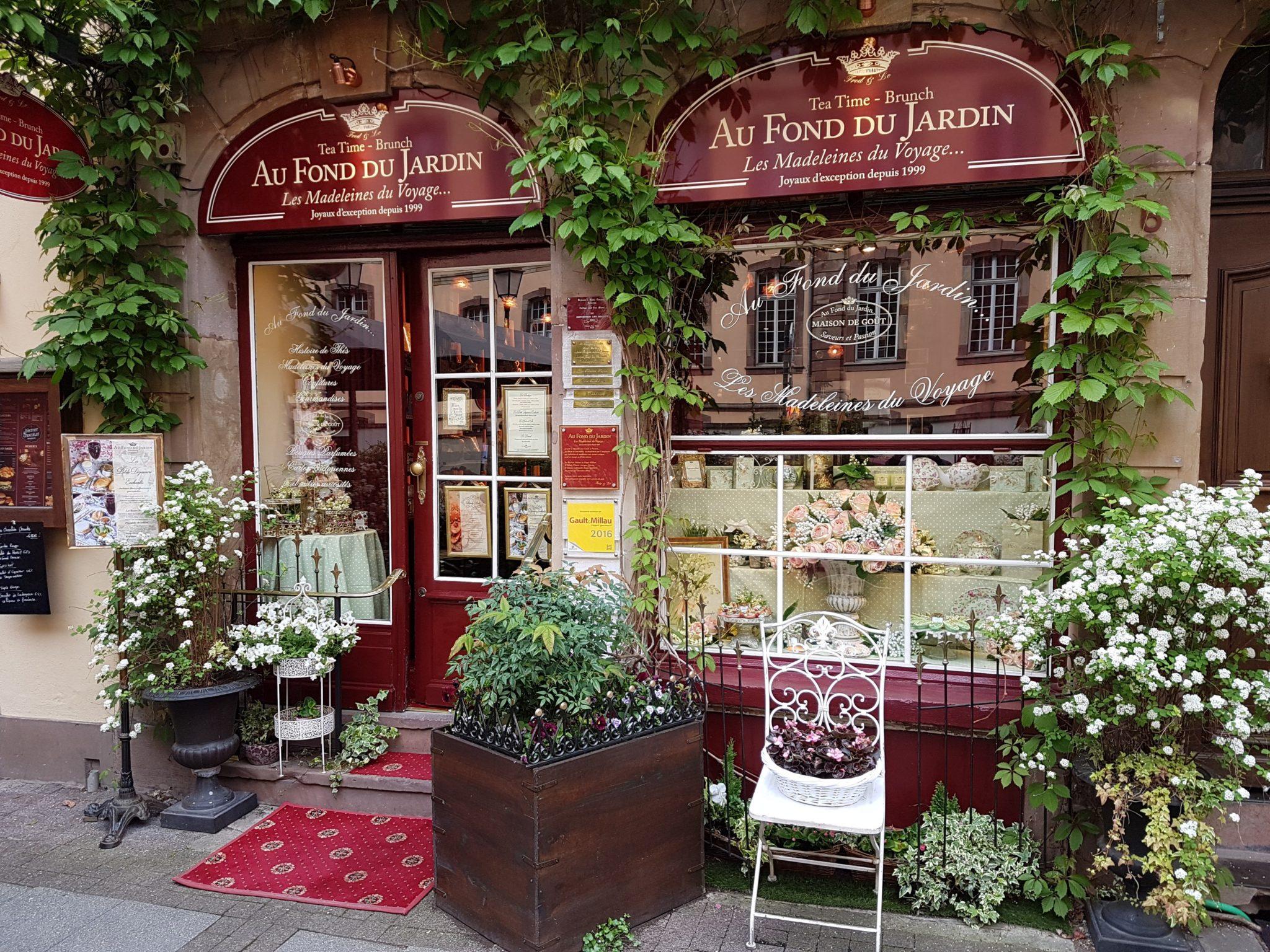 Kapoué Test n°126: Au Fond Du Jardin, salon de thé raffiné à ...
