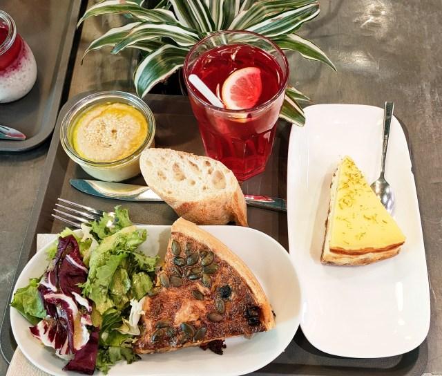 Le café potager Strasbourg restaurant centre ville quiche houmous cheese cake