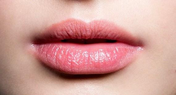 Cara Mengatasi Bibir Kering