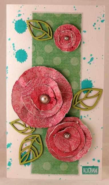Kwiaty z kółek z wzorzystego papieru.