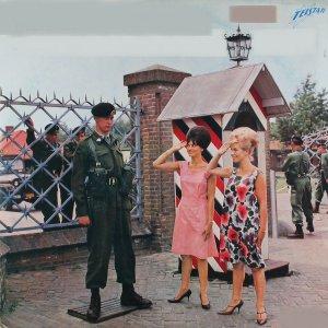 Various Artists - Johnny Hoes presenteert: Meisjes en Soldaten (1963)