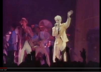 David Bowie - Modern Love (1983)