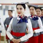 15 fotó arról, hogyan készítenek fel egy kínai légiutas-kísérőt
