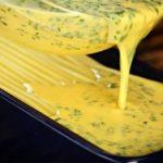 Tedd a tésztát sütőformába, öntsd rá a szószt és 40 perc múlva kész is a világ legfinomabb étele!