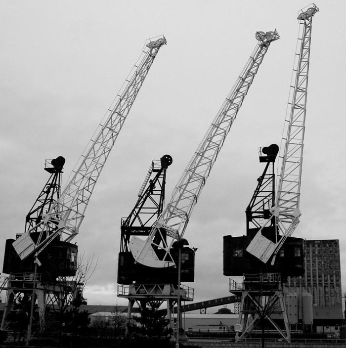 semi-portal-cranes-full-portal-cranes-wharf-crane-types-of-jib-crane