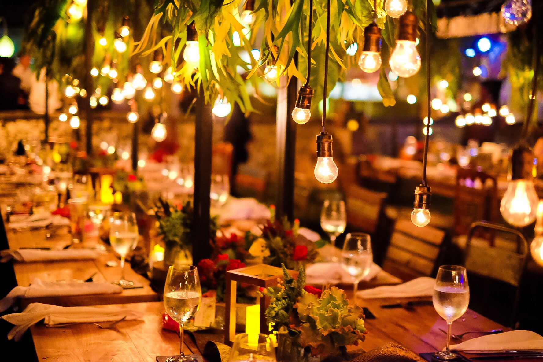 your guide to indoor event lighting