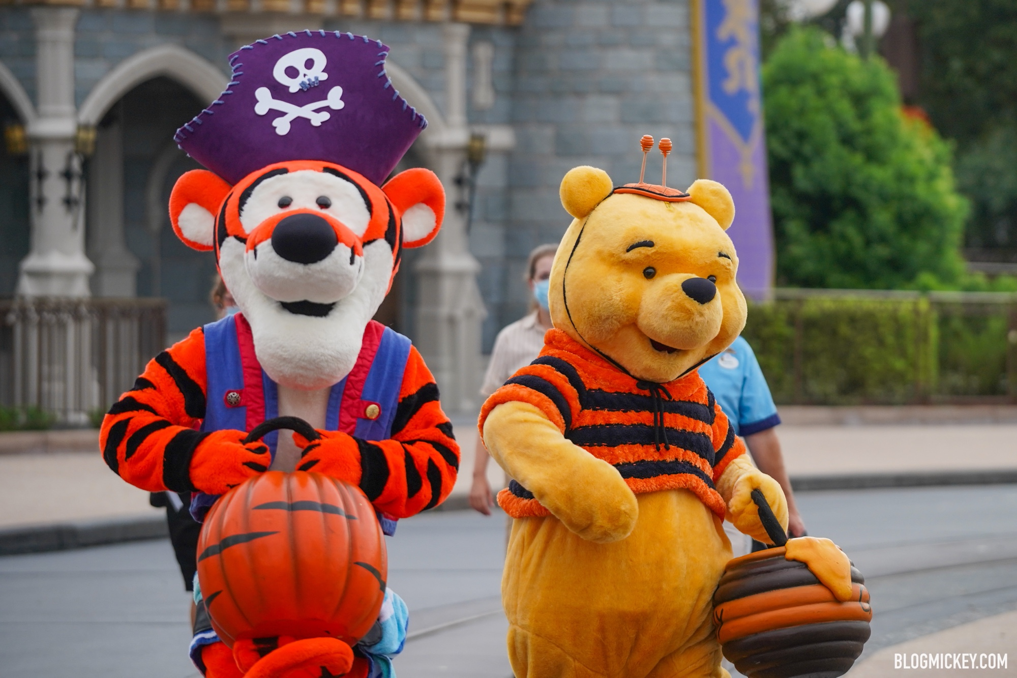 Winnie The Pooh Halloween Cavalcade Debuts At Magic Kingdom