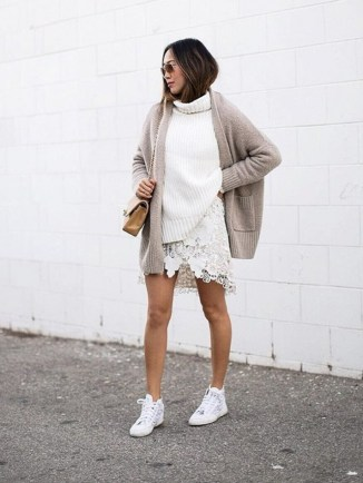 greige-the-trend-every-fashion-insider-loves-right-now-1701759-1458336582.640x0c
