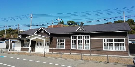 星越駅駅舎