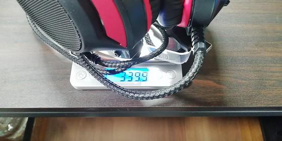 重さは約340グラムです。
