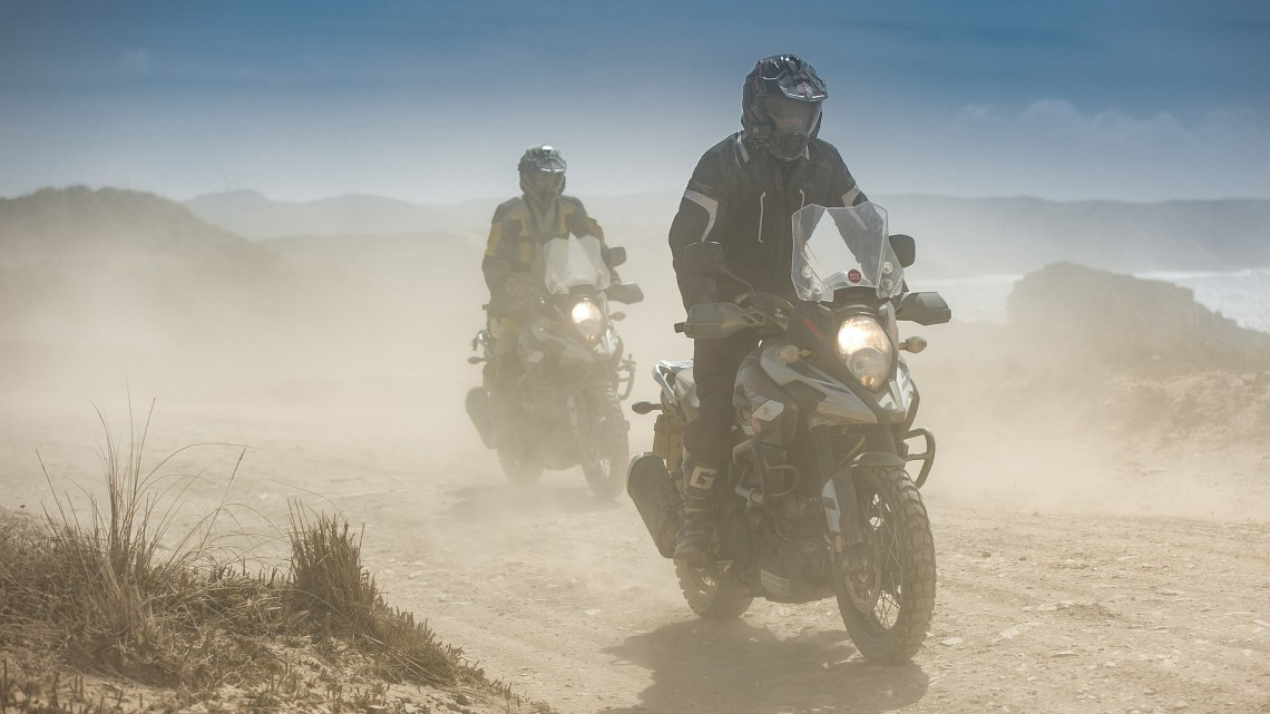 Roadtrip à moto : Checklist pour ne rien oublier