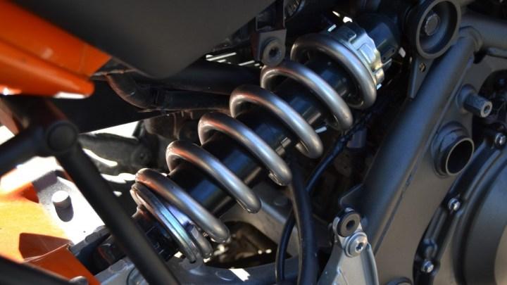 Comment régler les suspensions de sa moto ?