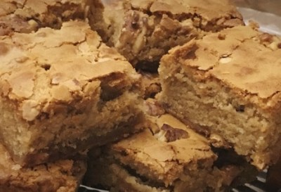 walnut-white-chocolate-blondies