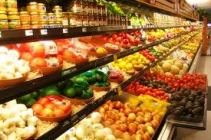 buah impor di supermarket