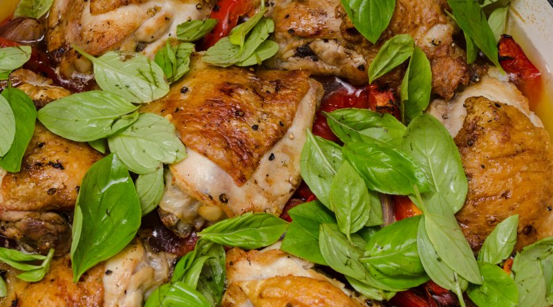 Chicken, peppers and basil tray bake
