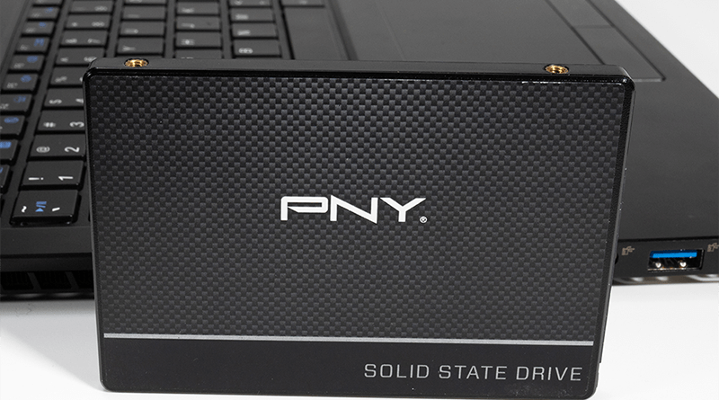 PNY-SSD-CS900-laptop-use2
