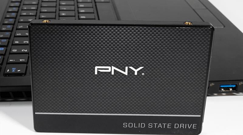 PNY-SSD-CS900-laptop-use2