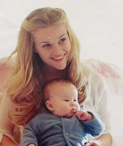 Ava Elizabeth Phillippe