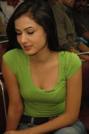 Sonal-Chauhan-Tight-Green-Top-Denim-Jeans (74)
